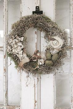 ۞ Welcoming Wreaths ۞  DIY home decor wreath ideas - rustic