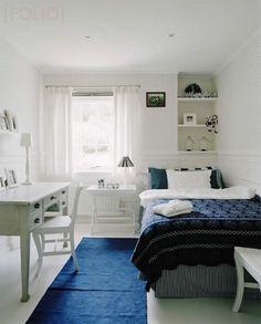 quarto branco e azul