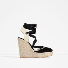Image 1 of BOW DETAIL LEATHER WEDGES from Zara