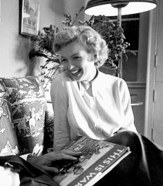 Marilyn during an interview for Clash By Night - Photos by Bob Landry, 1951 http://www.vip-eroticstore.com/