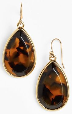 tortoise teardrop earrings  http://rstyle.me/n/tsa4apdpe