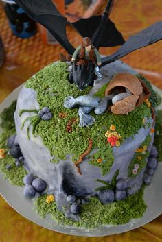 How to Train your Dragon birthday party cake! Dragon Birthday Cakes, Dragon Birthday Parties, Birthday Cakes For Teens, Dragon Cakes, Dragon Party, Cake Birthday, 9th Birthday, Birthday Invitations, Birthday Ideas