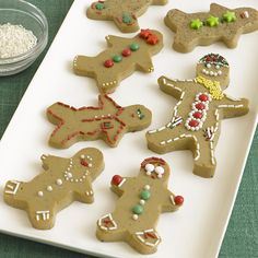 Two words: Cute and cute. (My favorite is the guy on the top rightwith the beadyeyes and green star buttons!) Liven up Christmas this year with some jiggly, jello-y, gingerbread men, and women.F...