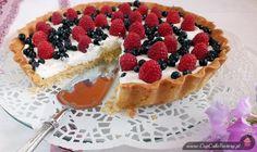 Tarta z kremem mascarpone i owocami - http://www.mytaste.pl/r/tarta-z-kremem-mascarpone-i-owocami-7802542.html