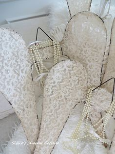 Sissie's Shabby Cottage: Angel Wings for the Holidays, Seawashed Living and the Giveaway Winner...