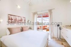 Tenerife Luxury Penthouse Arona Located in Arona, Tenerife Luxury Penthouse is an apartment boasting an outdoor pool. The air-conditioned unit is 4.2 km from Playa de las Americas. Free WiFi is offered throughout the property.