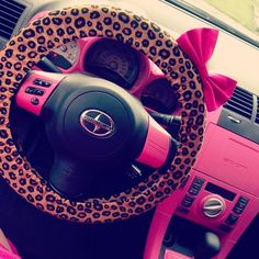 girly car cheetah steering wheel cover with a pink bow