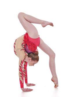 Rhythmische Gymnastik Wien - UWW, Union West-Wien, Rhythmus, Geräte, Ball, Band, Seil, Keulen, Bewegung, Beweglichkeit, Balance, Körpertechnik, Wettkampf, Verein
