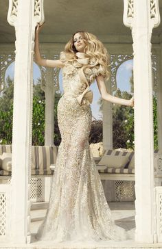 Woman Who Inspire High Fashion glamour featured fashion Evening Gowns ~ Too much pretty for one picture! Estilo Glamour, Haute Couture Fashion, Dress Picture, Couture Collection, Couture Dresses, Beautiful Gowns, Outfit, Marie, Evening Dresses