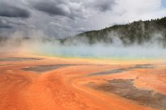 grand prismatic spring 2385100 1280 - 20 Places where earth kisses heaven