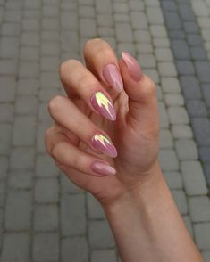 Glamour Nails art girl polish cute makeUp is part of Soft White nails Natural - Soft White nails Natural Cute Acrylic Nails, Cute Nails, Pretty Nails, Hair And Nails, My Nails, Ongles Or Rose, Gold Nail Designs, Art Designs, Design Art