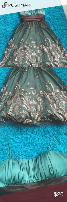 Blondie Nites green and gold glitter dress BEAUTIFUL GREEN AND GOLD GLITTER DRESS BLONDIE NITES, ONLY WORN ONCE, PERFECT FOR PARTIES,DANCES,HOMECOMING,etc. Blondie Nites Dresses Mini