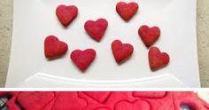 Výsledek obrázku pro cukroví z červené řepy Plastic Cutting Board, Strawberry, Fruit, Food, Meal, The Fruit, Essen, Strawberries, Hoods