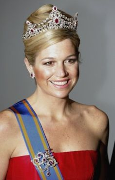 Google Image Result for http://www.posters555.com/pictures/Princess-Maxima-picture-Z1G177796_b.jpg