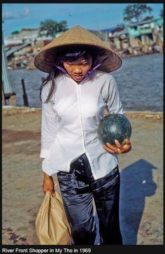 Hinh My tho xua Chinese Martial Arts, My Tho, Old Images, Street Photo, Vietnam War, Hanoi, Southeast Asia, Cambodia, Panama Hat
