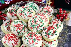 10 favorite holiday cookie recipes - Quick, Easy, Cheap and Free DIY Crafts Italian Christmas Cookie Recipes, Easy Christmas Treats, Italian Cookie Recipes, Holiday Cookie Recipes, Christmas Desserts, Christmas Baking, Holiday Treats, Christmas Ideas, Almond Shortbread Cookies