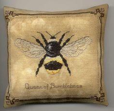 Freebie Gallery: Queen of Bumblebees