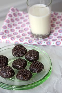 15 minutes Chocolate Fudge Cookies. Dairy free, gluten-free, no bake and very healthy.  @Kathy Chan Barton
