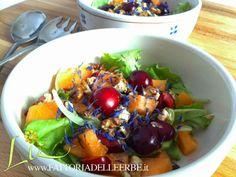 INSALATINA DI #CILIEGIE, #MELONE, #NOCI E #FIORDALISO - Fruit salad with #cornflowers http://fattoriadelleerbe.blogspot.it/2014/05/insalatina-di-ciliegie-melone-noci-e.html