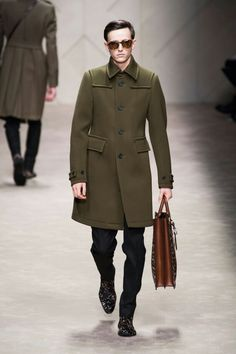 Burberry. Military green with a safari tote