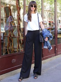 Minimalist Fashion - My Minimalist Living Fashion Books, Paris Fashion, Spring Fashion, Daily Fashion, Love Fashion, Womens Fashion, Fashion Design, Fashion Pants, Fashion Outfits