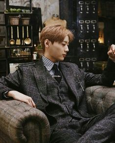 Wanna-One - Lai Guanlin Pentagon Wooseok, Asian Men Fashion, Guan Lin, Cute Korean Boys, Asian Boys, Lai Guanlin, Ha Sungwoon, I Like Him, Ji Sung