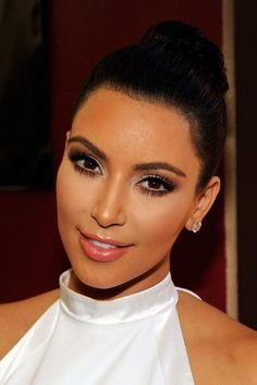 addict: Kim Kardashian Makeup Inspiration Gallery miss.addict: Kim Kardashian Makeup Inspiration Gallery miss.addict: Kim Kardashian Makeup Inspiration Gallery miss. Kim Kardashian Makeup Looks, Kim Kardashian Wedding, Kardashian Beauty, Kardashian Style, Wedding Makeup For Brunettes, Wedding Hair And Makeup, Bridal Makeup, Hair Wedding, Bridal Hair
