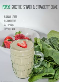 Popeye Smoothie with Spinach and Strawberries