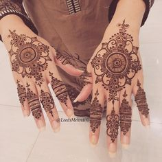 Finger work, just lovely – Henna Henna Hand Designs, Eid Mehndi Designs, Stylish Mehndi Designs, Bridal Henna Designs, Mehndi Design Photos, Mehndi Patterns, Beautiful Henna Designs, Latest Mehndi Designs, Henna Tattoo Designs