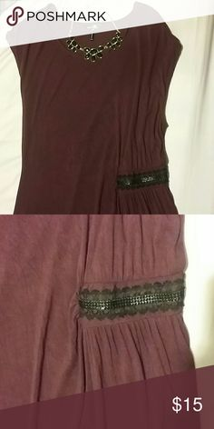 Beautiful Daisy Fuentes Lace Detail Top Brand new, never worn Daisy Fuentes Top. Size Large. Burgundy Wine color. Gorgeous ruched side lace detail. Make an offer or bundle to save even more! Daisy Fuentes Tops Blouses