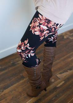 Boutique, Online Boutique, Women's Boutique, Modern Vintage Boutique, Leggings, Floral Leggins, Black Leggings, Fitted Leggings, Cute, Fashion