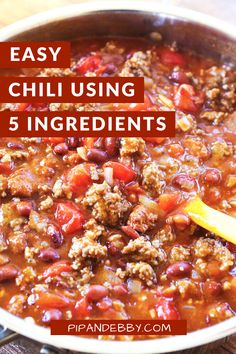 This 5 Ingredient EASY Chili recipe requires is a super comforting dish that is packed with flavor and requires only 30 minutes of your time. #easychili #chili #chilirecipe #cannedchili Chili Recipes, Slow Cooker Recipes, Healthy Recipes, Healthy Foods, 5 Ingredient Chili Recipe, Chili Recipe Video, Favorite Chili Recipe, Homemade Chili, Beef Recipes For Dinner
