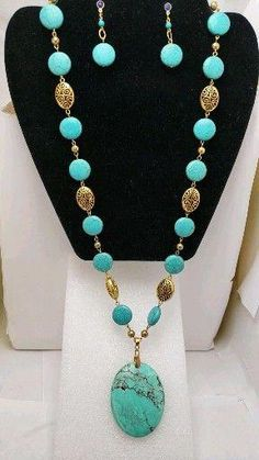 Large pendant turquoise gold long necklace and earrings set - DIY Schmuck Bead Jewellery, Boho Jewelry, Beaded Jewelry, Jewelry Design, Jewelry Necklaces, Gold Bracelets, Long Beaded Necklaces, Diamond Jewellery, Jewelry Findings