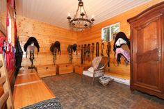 Anyone who knows me knows I like a good looking tack room