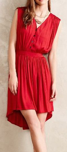 flowy red dress http://rstyle.me/n/uw22epdpe