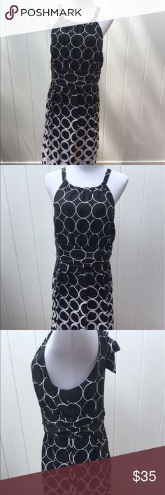 White House Black Market size 10 lined silk dress Beautiful White House Black Market lined silk dress. Size 10. New without tags. Thanks for looking! Happy Poshing! 👠👗👖 White House Black Market Dresses