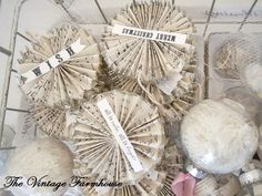 accordian paper ornaments... love!