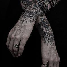 Le tatouage, cest swag. Thomas Hooper, New Yorkais, Guru. %TheChemistry