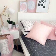 Image de pink, bedroom, and bed Pastel Bedroom Dream Rooms, Dream Bedroom, Home Bedroom, Girls Bedroom, Teen Bedrooms, Bedroom Ideas For Teen Girls Tumblr, White Bedrooms, Bedroom Desk, Boy Rooms