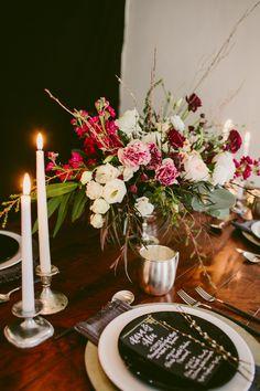 Modern table decor ideas #tabledecor @weddingchicks