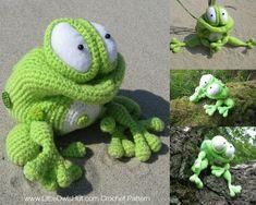 013 Frog Kvolya toy with wire frame Amigurumi Crochet