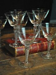 Cole adroitly mixed drinks. (The merest breath of vermouth.) Then toasted his beautiful wife, Linda.      Set of...