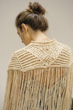 Macrame Dress, Macrame Curtain, Macrame Art, Macrame Projects, Macrame Knots, Rope Knots, Yarn Inspiration, Macrame Patterns, Yarn Crafts