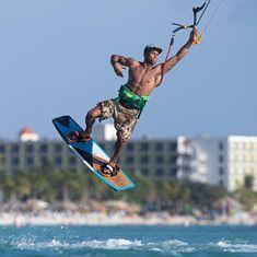 Aruba Kitesurfing Photography of Kitesurfers Kitesurfing in Aruba for Kitesurfing Athletes and the Advertising of kiteboarding equipment for the sport of kiteboarding Beach Tennis, Place To Shoot, Windsurfing, Kids Sports, Most Favorite, Lightroom, Behance, Athletes, Hobbies