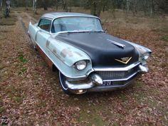Ratlook / 1956 Cadillac Coupe de Ville ratrod  with his new unpainted hood