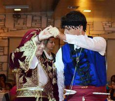 Σχολές Κρητικών Χορών Δημήτρη Καπαράκη / Dimitris Kaparakis Traditional Dance Academy [http://www.kaparakis.gr/kalosorisma_en.php]