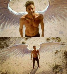 This scene..omg his wings.