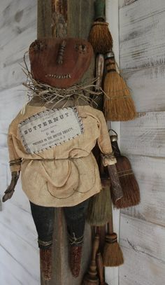 Country Halloween, Halloween Doll, Halloween Projects, Vintage Halloween, Fall Halloween, Happy Halloween, Primitive Fall Crafts, Primitive Autumn, Americana Crafts