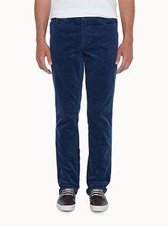 Exclusivité du 31 pour homme     Un essentiel de tous les jours, parfait pour la nouvelle saison   Notre style nommé London qui définit un pantalon à jambe étroite et taille basse   Modèle 5 poches   Coton extensible tout confort   Le mannequin porte la taille 32