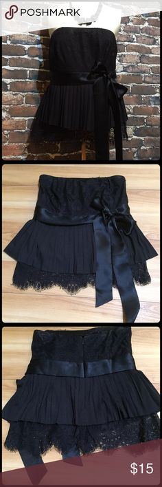 Strapless Lace Top Gorgeous top. Never worn. Moda International Tops Crop Tops
